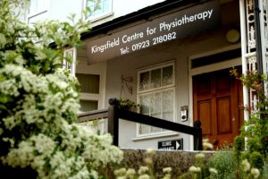 Entrance to Kingsfield Centre in Bushey for effective professional hypnotherapy, coaching and training
